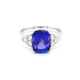 Tanzanite Dress Ring With Trefoil Diamond Set Shoulders 3.15ct